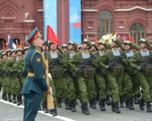 Большая честь – пройти по главной площади России.