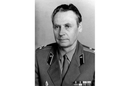 Полковник Анатолий Соловьёв.
